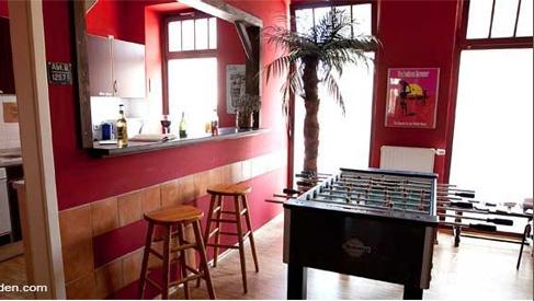 leipzig hostels hostels in leipzig youth hostels jugendherbergen jugendhotels im zentrum. Black Bedroom Furniture Sets. Home Design Ideas